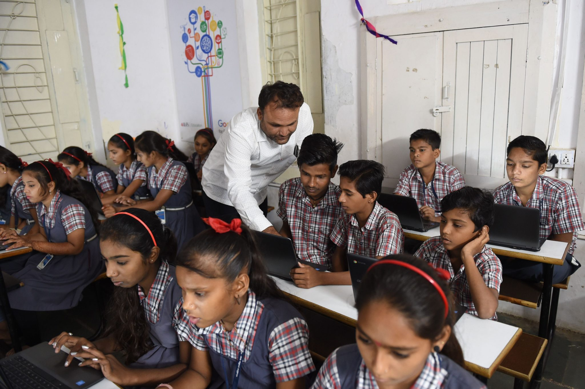 Gujarat students to answer roll call with Jai Hind, Jai Bharat (SAM PANTHAKY/AFP/Getty Images)
