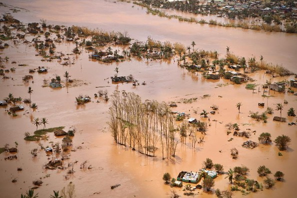 An aerial view shows the flooded plane surrounding Beira, central Mozambique, on March 20, 2019 after the passage of the cyclone Idai.  (Photo: ADRIEN BARBIER/AFP/Getty Images)