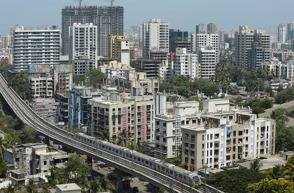 The Indian government has announced plans to build 12 metro lines totalling 276 kilometers (171 miles) in Mumbai (Photo: INDRANIL MUKHERJEE/AFP/Getty Images).