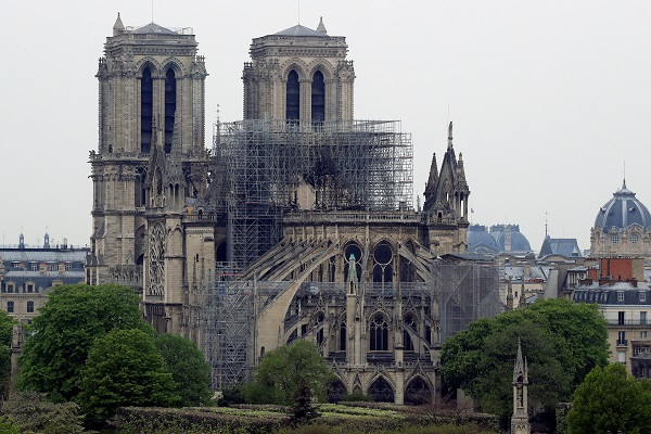 b6f128ae A ... Billionaires and private donors mobilise to rebuild Notre-Dame .