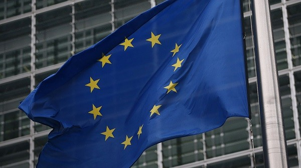 The EU is challenging the introduction of import duties imposed by India on a wide range of ICT products, such as mobile phones and components, base stations, integrated circuits, and optical instruments (Photo: Carl Court/Getty Images).
