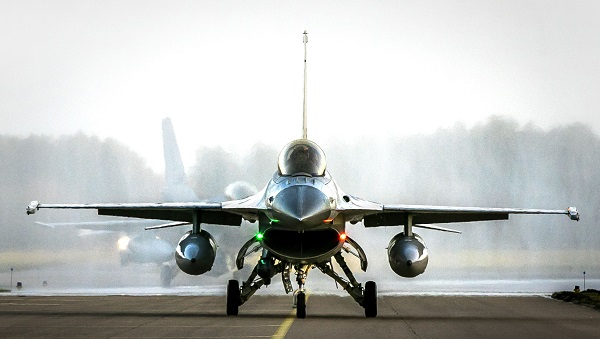 Foreign Policy said in a report published on Thursday (4) two US defence officials with direct knowledge of the matter said the US personnel had done a count of Pakistan's F-16s and found none missing  (Photo: REMKO DE WAAL/AFP/Getty Images).