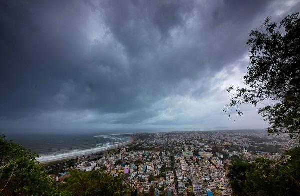 Clouds loom ahead of cyclone Fani. (Photo: REUTERS/Stringer)