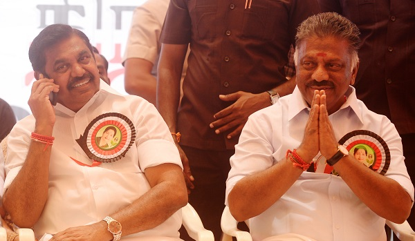 AIADMK coordinator O Panneerselvam (R) and joint coordinator K Palaniswami (L) said in a statement that agents must follow a slew of steps, including reaching the counting centres as early as 06.00 AM IST on May 23 (Photo: ARUN SANKAR/AFP/Getty Images).