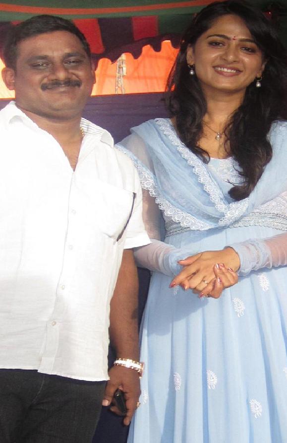 Anushka Shetty with her fan Hemchand Rachuru