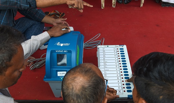 The Electronic Voting Machine (EVM) in conjunction with the Voter-Verified Paper Audit Trail (VVPAT) (Photo: INDRANIL MUKHERJEE/AFP/Getty Images).