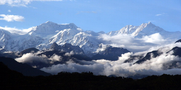 This picture taken from Kaluk Bazaar in the Indian state of Sikkim shows a view of mount Kanchenjunga. (Photo: DIPTENDU DUTTA/AFP/Getty Images)