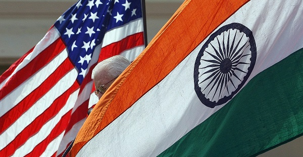 US commerce secretary Wilbur Ross had said earlier on Monday (6) he planned to discuss India's new e-commerce rules that could have an impact on operations of firms such as Amazon and Walmart with his Indian counterpart (Photo: INDRANIL MUKHERJEE/AFP/Getty Images).