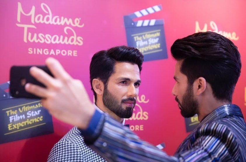 Shahid Kapoor unveils his wax statue at Madame Tussauds Singapore - EasternEye