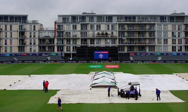 ICC Cricket World Cup - Bangladesh v Sri Lanka - The County Ground, Bristol, Britain - June 11, 2019 Groundstaff work on the field before play Action (Photo via Reuters/Andrew Couldridge).