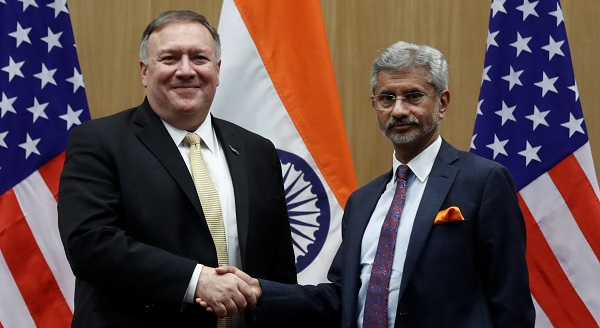 US Secretary of State Mike Pompeo and India's Foreign Minister Subrahmanyam Jaishankar shake hands at a joint news conference after a meeting in New Delhi, India, June 26, 2019 (REUTERS/Adnan Abidi).
