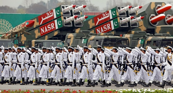 """Khan late on Tuesday (4) tweeted that he appreciated the military's """"unprecedented voluntary initiative of stringent cuts in their defence expenditures"""" for next financial year because of the country's """"critical financial situation"""" (Photo: REUTERS/Akhtar Soomro)."""