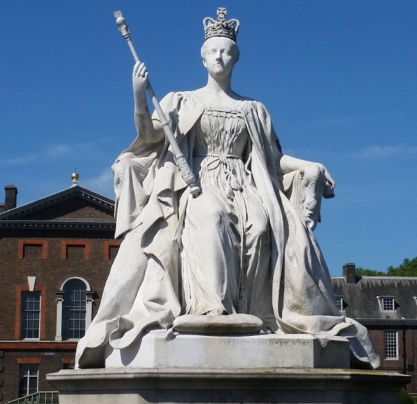 A statue of Queen Victoria outside Kensington Palace.