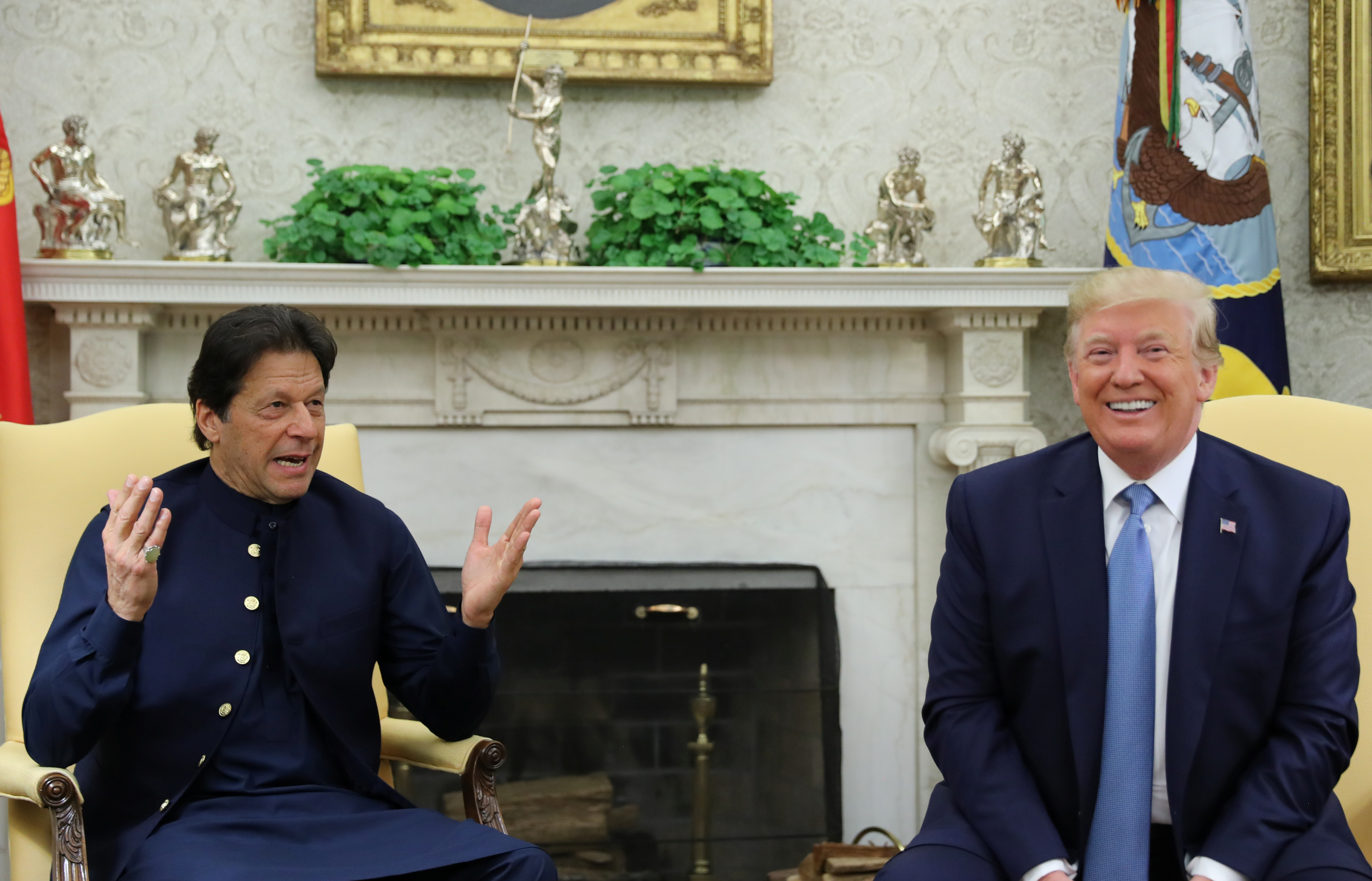 Pakistan's prime minister Imran Khan meets with US president Donald Trump REUTERS/Jonathan Ernst