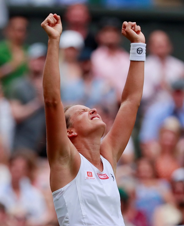 Tennis - Wimbledon - All England Lawn Tennis and Croquet Club, London, Britain - July 9, 2019 Czech Republic's Barbora Strycova celebrates winning her quarter final match against Britain's Johanna Konta (Photo: REUTERS/Andrew Couldridge).