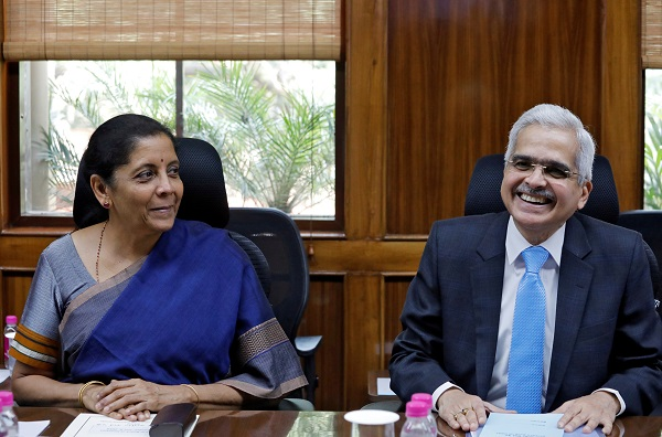 India's Finance Minister Nirmala Sitharaman and the Reserve Bank of India (RBI) Governor Shaktikanta Das attend the RBI's central board meeting in New Delhi, India July 8, 2019 (Photo: REUTERS/Anushree Fadnavis).