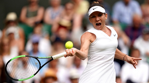 Tennis - Wimbledon - All England Lawn Tennis and Croquet Club, London, Britain - July 11, 2019 Romania's Simona Halep in action during her semi-final match against Ukraine's Elina Svitolina (Photo: Will Oliver/Pool via REUTERS).