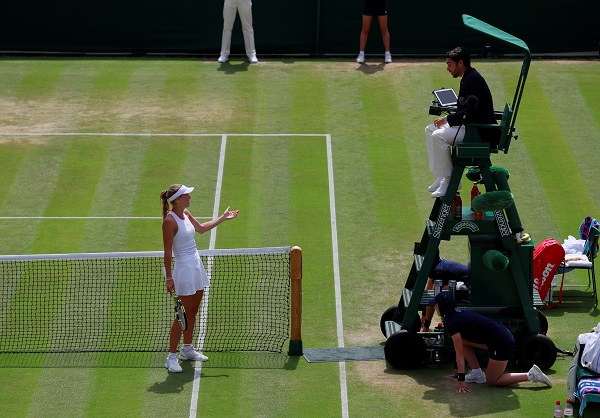 Tennis - Wimbledon - All England Lawn Tennis and Croquet Club, London, Britain - July 5, 2019 Denmark's Caroline Wozniacki appeals to the umpire during her third round match against China's Zhang Shuai (Photo: REUTERS/Andrew Couldridge).