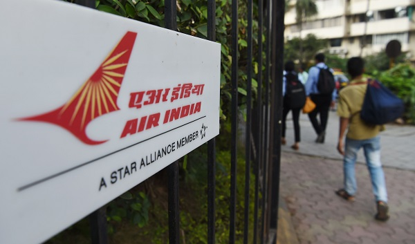 """""""We have huge outstanding debts and are awaiting equity support from the government to maintain current operational levels,"""" Dhananjay Kumar, spokesperson of Air India told (Photo: INDRANIL MUKHERJEE/AFP/Getty Images)."""