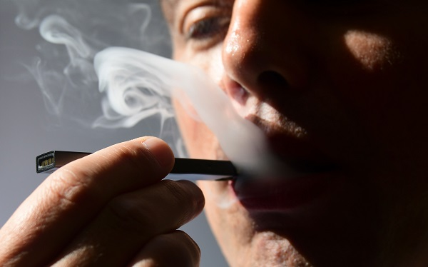 """""""E-cigarettes and similar technologies that encourage tobacco use or adversely impact public health are hazardous for an active as well as passive user,"""" the health ministry said in an internal note that the federal cabinet is expected to consider (Photo: EVA HAMBACH/AFP/Getty Images)."""