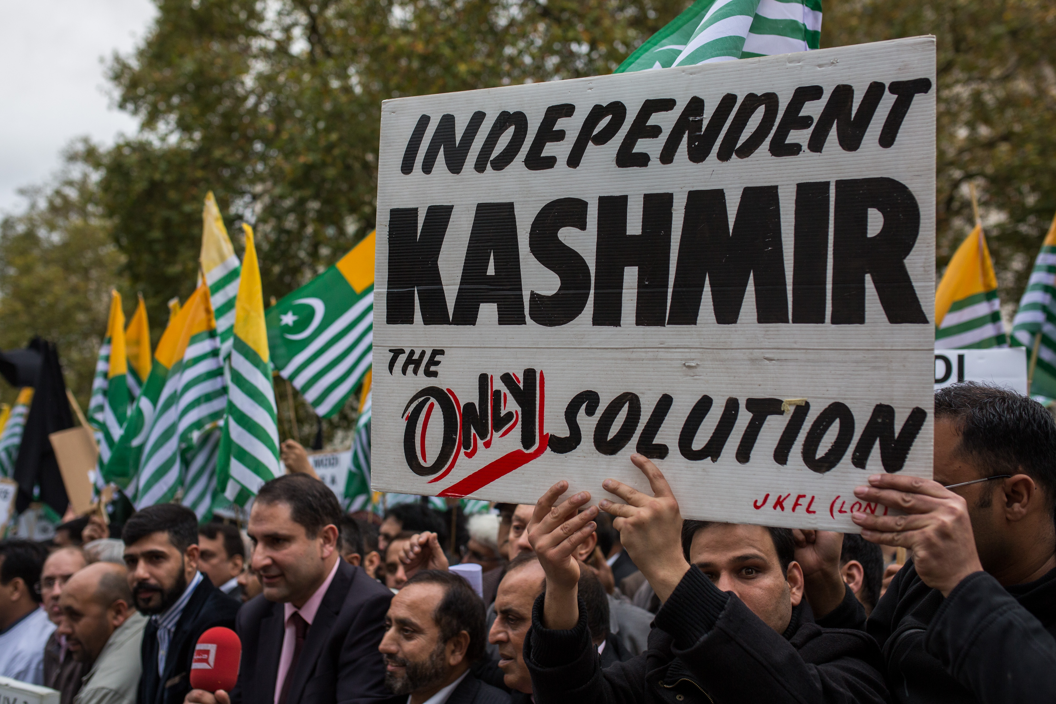 An estimated 5,000-10,000 protesters are expected to take part in the Free Kashmir protest. (Photo by Rob Stothard/Getty Images)
