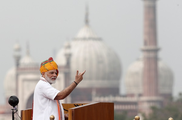 """""""It is time to accept the challenges up front... population explosion. It will bring a lot of challenges for the future generations of this country,"""" Modi said in an Independence Day speech in the capital New Delhi (REUTERS/Adnan Abidi)."""