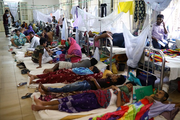 Dengue infected patients are seen hospitalised at the Sir Salimullah Medical College Hospital in Dhaka, Bangladesh, August 2, 2019 (Photo: REUTERS/Mohammad Ponir Hossain).