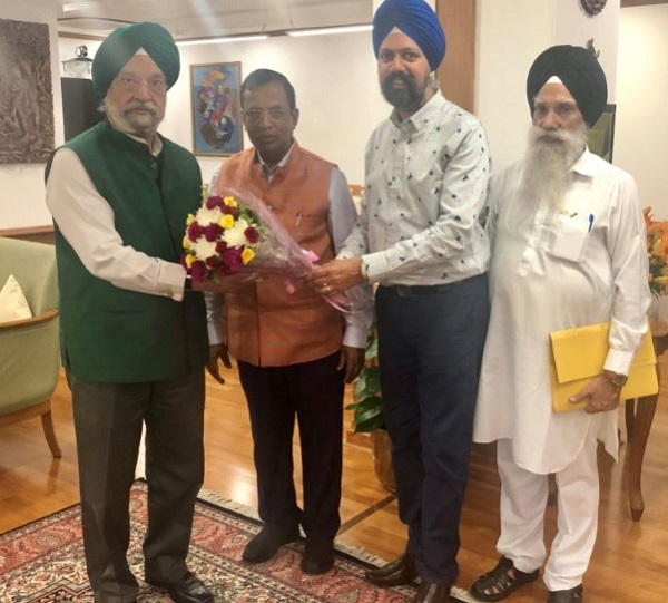 The Indian-origin British MP met country's civil aviation minister Hardeep Singh Puri and minister of state for commerce and industry Som Parkash last week to for a new flight service between the two cities (Photo: www.tsdhesi.com).