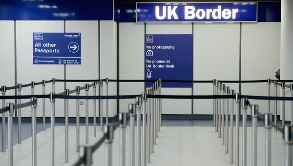 Some 612,000 people moved to the UK during the 12 months to March, while 385,000 people emigrated, reducing net immigration to 226,000, its lowest since the 12 months to the end of December 2013, the Office for National Statistics said (Photo: Jeff J Mitchell/Getty Images).