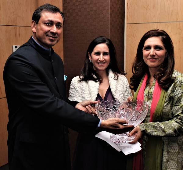 Marina Wheeler (centre) and her sister Shirin accepting the Charles Wheeler award from Jaimini Bhagwati (left)