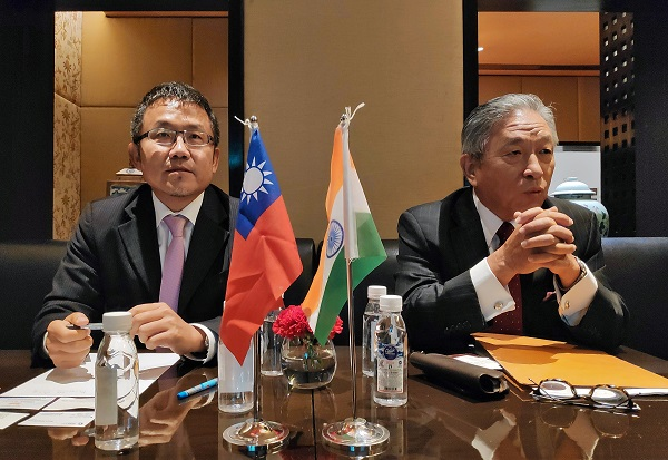 Shih-Chung Liu, vice chairman of Taiwan External Trade Development Council, and Chung-Kwang Tien, the representative of the Taipei Economic and Cultural Centre in India, attend a news conference in New Delhi, India, September 20, 2019 (REUTERS/Sankalp Phartiyal).