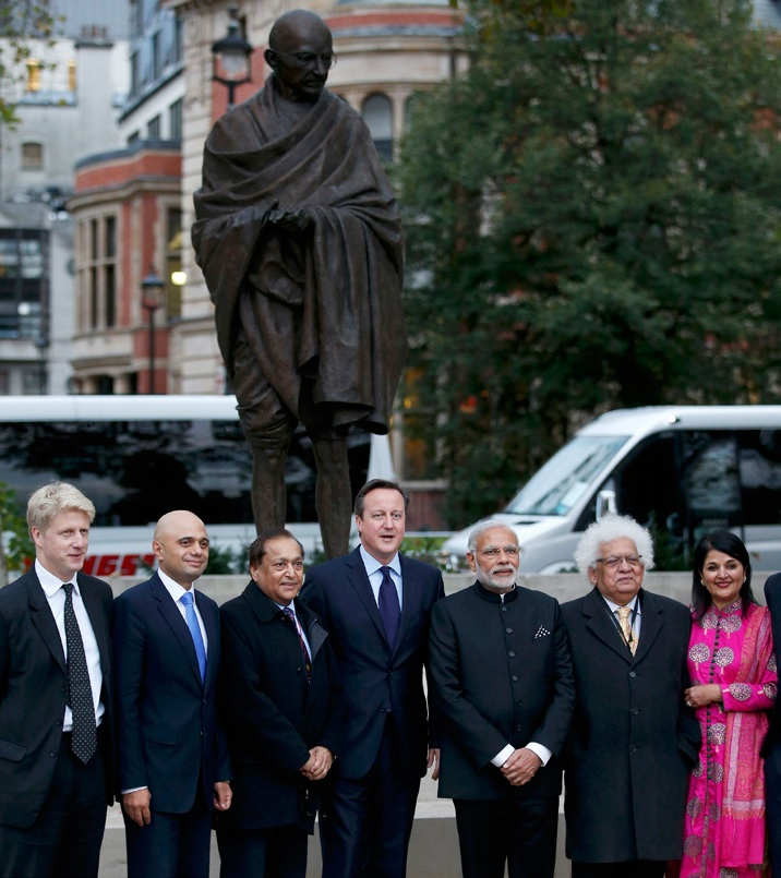 Jo Johnson, Sajid Javid, Dr Rami Ranger, David Cameron, Narendra Modi, Lord and Lady Desai