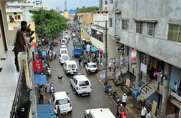 Police launched a drive against the illegal immigrants after the National Investigation Agency busted a terror module of Jamat-ul-Mujahiddin Bangladesh (JMB) by arresting three of its operatives holed up in and around Bengaluru (Photo: Manjunath Kiran/AFP/GettyImages).