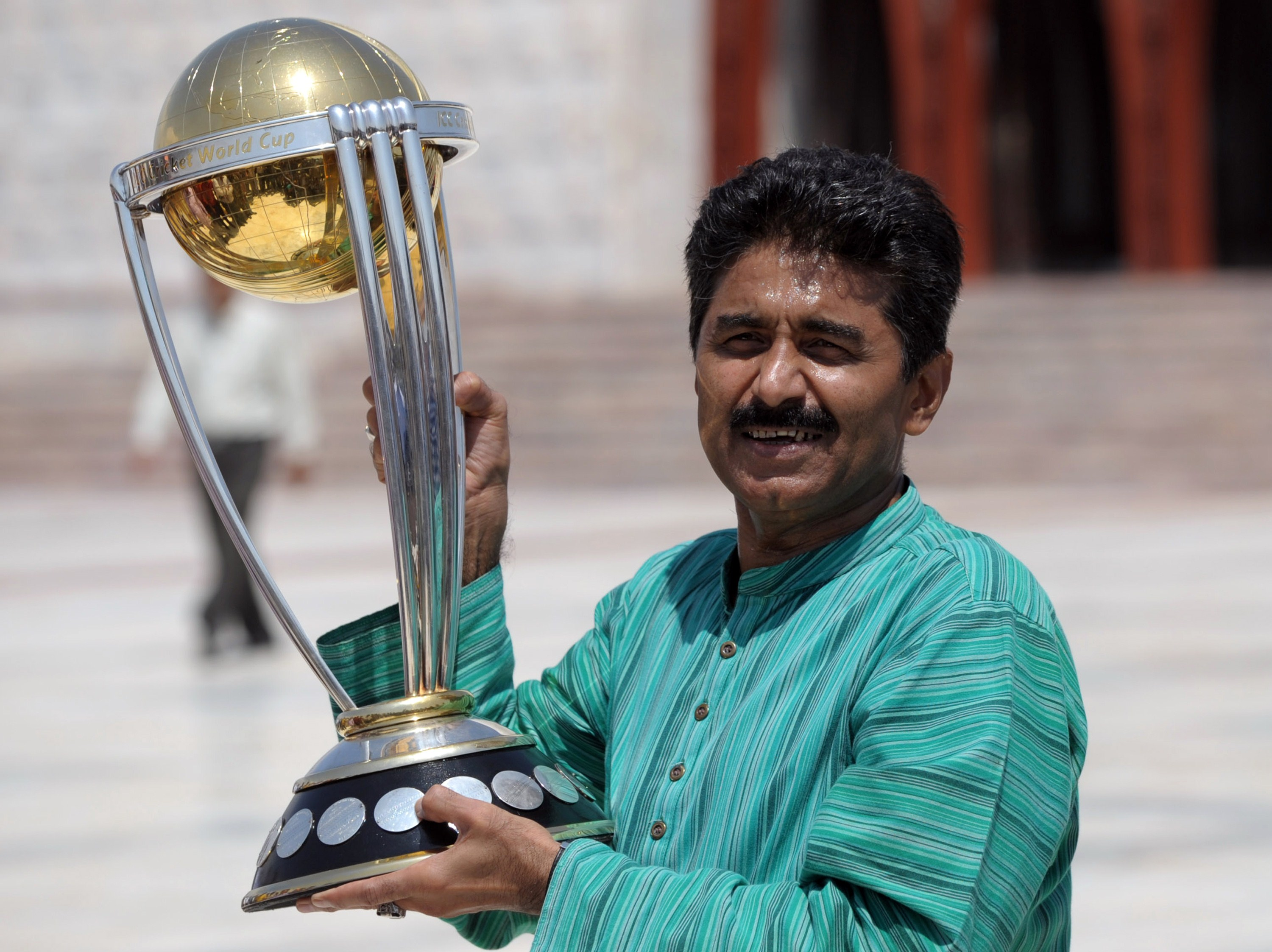 Former Pakistan cricketer Javed Miandad  (Photo credit should read RIZWAN TABASSUM/AFP/Getty Images)