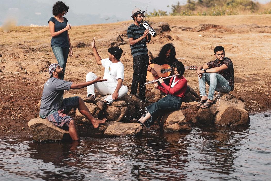 Band members: Pratika Gopinath (Lead vocals); Sanyanth Naroth (Composer, songwriter, vocals); Sharad Rao (Lead guitar and vocals); Malay Vadalkar (Bass and sound designer); Siya Ragade (Flute); Shardul Bapat (Violinist); Abraham Zachariah (Percussion); Nitin Muralikrishna (Keys); (Photo: Nikita Borges)
