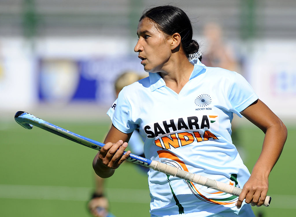 India's Rani Rampal plays against New Zealand during the field hockey Group A match of the Women's World Cup 2010 in Rosario, Argentina, on September 7, 2010.  AFP PHOTO/Daniel GARCIA
