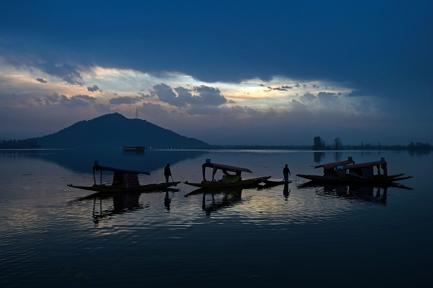 Dal Lake (Photo: TAUSEEF MUSTAFA/AFP via Getty Images).