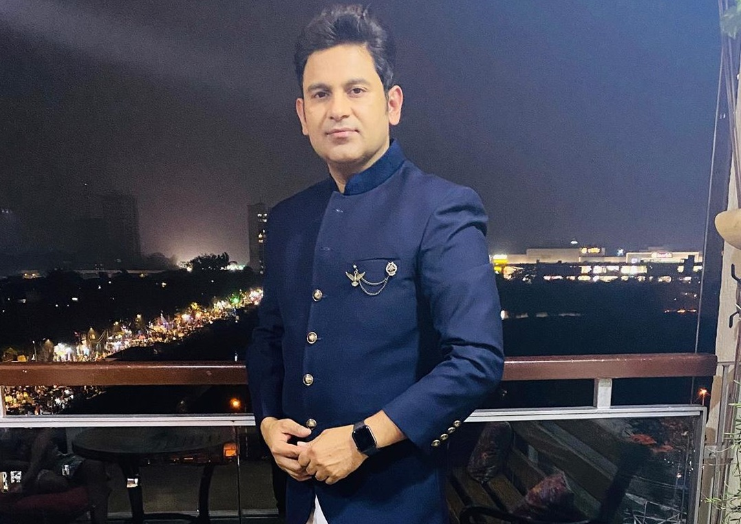 Filmfare Awards 2020: Lyricist Manoj Muntashir announces he won't attend any award functions