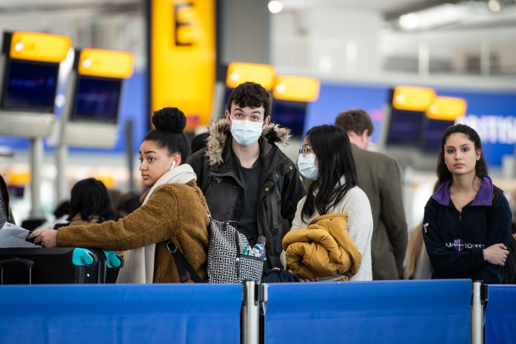 Passengers at the London Heathrow Airport (Photo: Leon Neal/Getty Images)