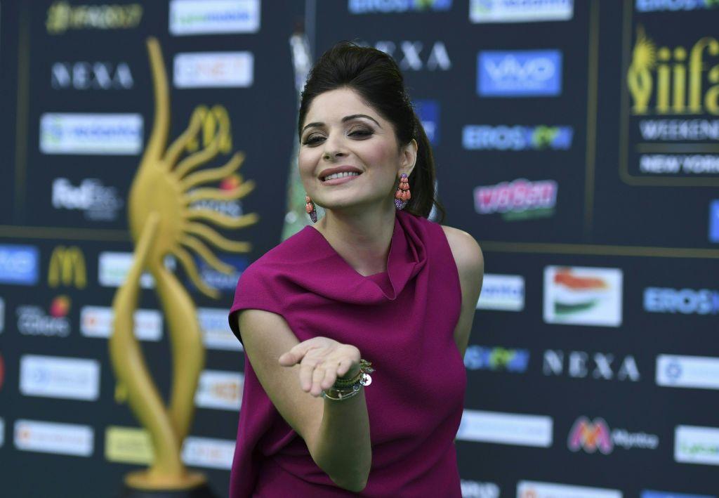 Kanika Kapoor tests positive for coronavirus; Indian ...