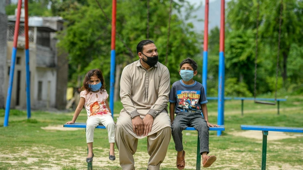 Aamir Gill (C), a cleaner and member of Pakistan's Christian underclass, was fired with no warning days after the coronavirus crisis took hold in Pakistan Aamir QURESHI AFP