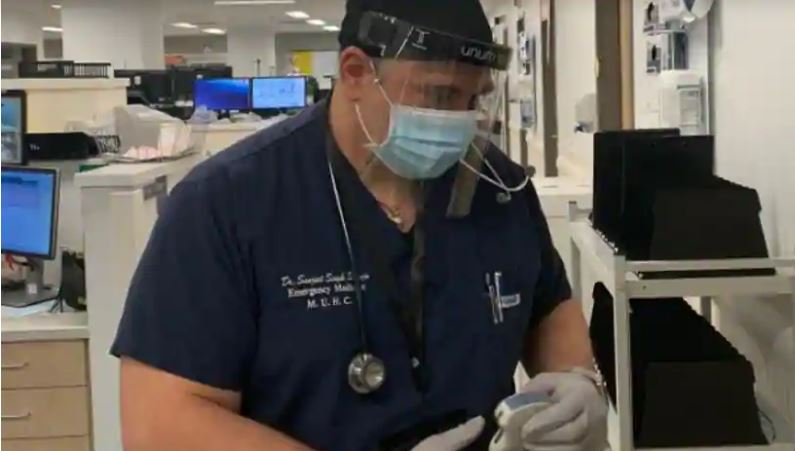 Dr Sanjeet Singh Saluja who had to shave off his beard so he could wear the necessary protective mask to treat Covid-19 patients at a hospital in Montreal.(Photo: MUHC)