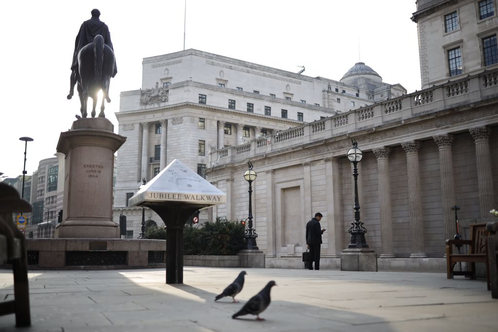 A general view outside the Bank of England in the near-deserted London. (Photo: TOLGA AKMEN/AFP via Getty Images)