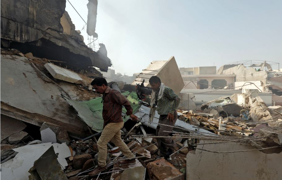 Plane crashes in Pakistan with 99 on board, many feared dead ...