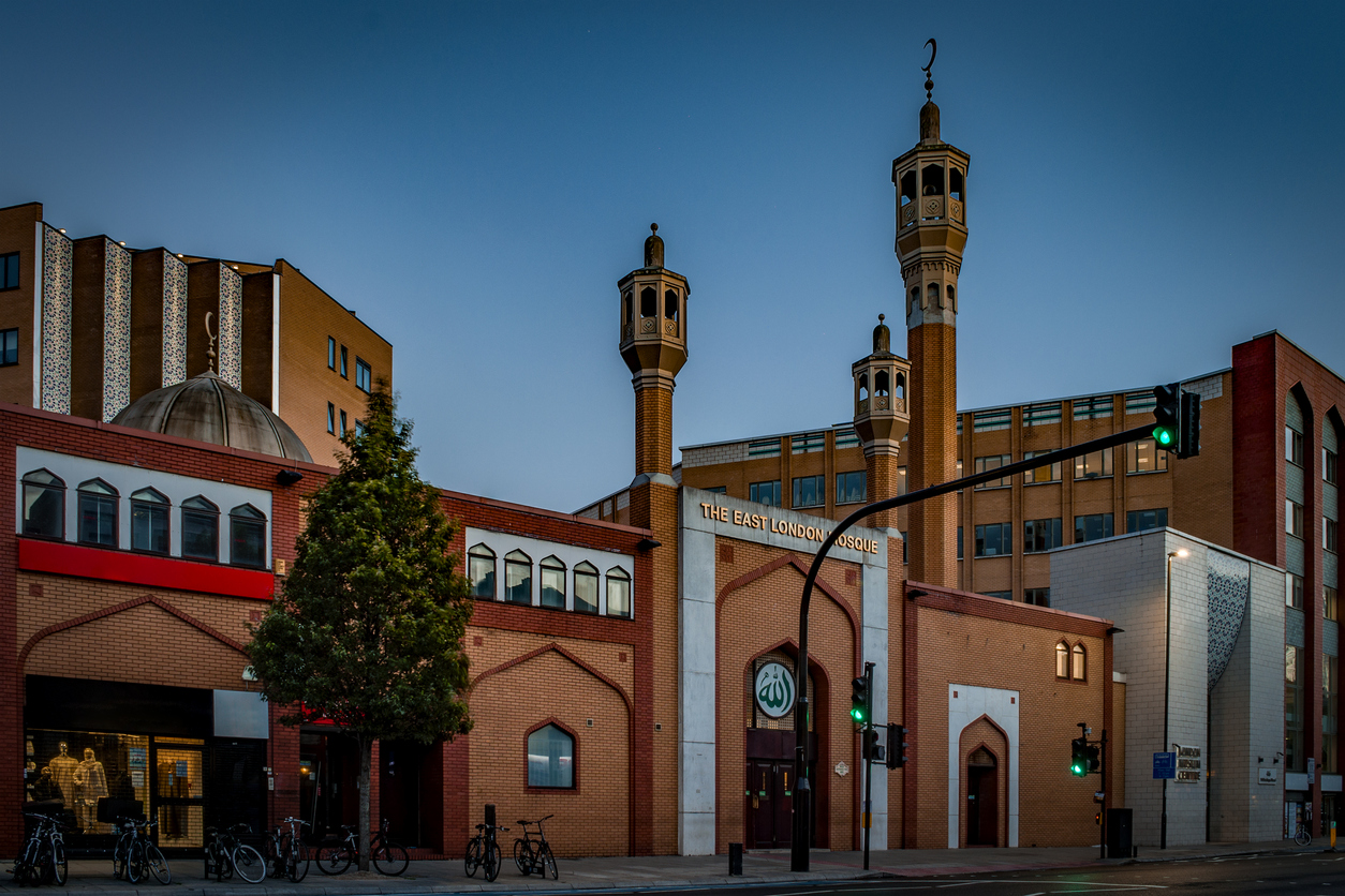 The East London Mosque and the London Muslim Center just before sunset during the holy month of Ramadan in England, UK. (File photo: iStock)