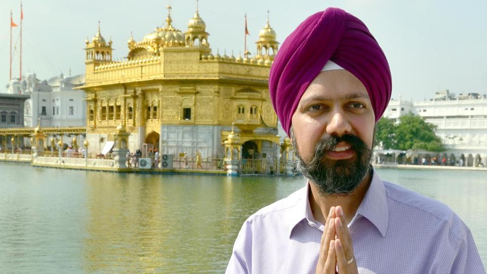 UK's first turbaned MP Tanmanjeet Singh Dhesi during a recent to the Golden  Temple in 2017. (Courtesy: Twitter)