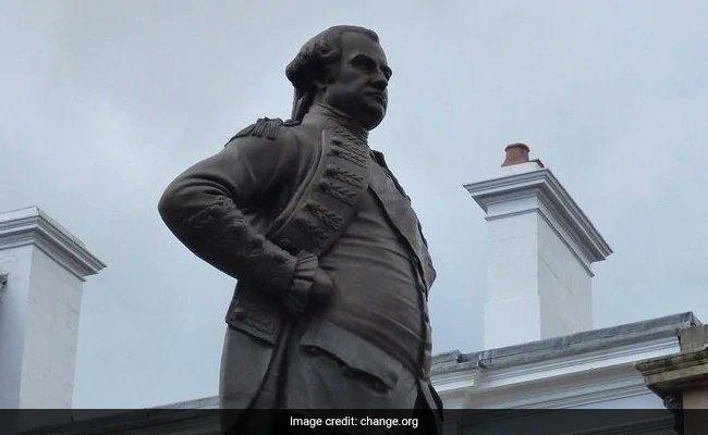 Robert Clive's statue in Shrewsbury. (Photo: Change,org)