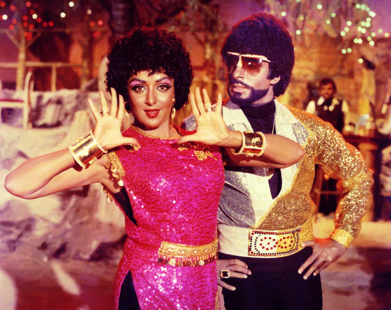 BLACK MARK: Amitabh Bachchan and Hema Malini in Desh Premee