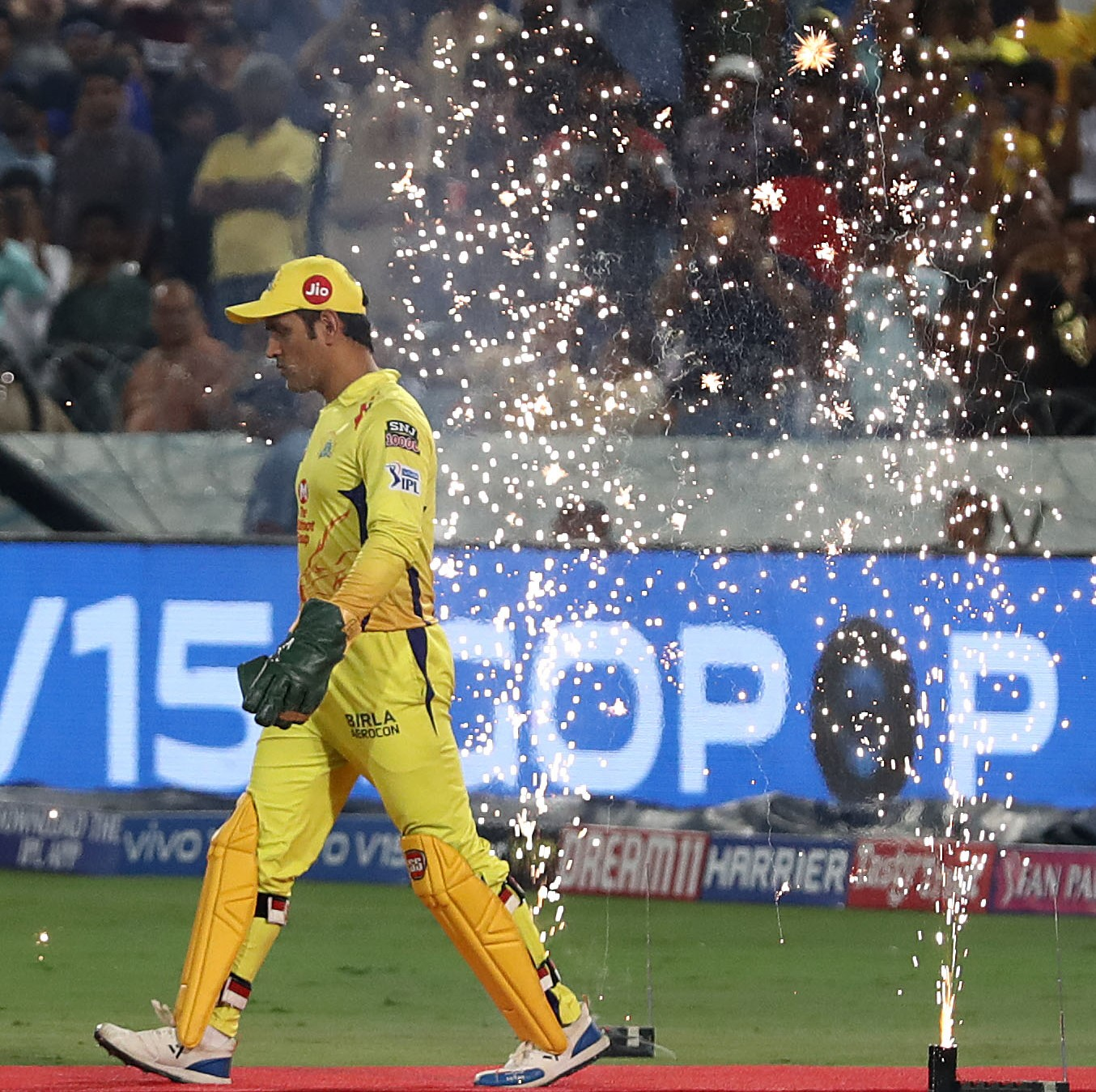 """""""MS [Dhoni] has been able to manage his body well... I am a big fan of MS and would want to see him continue playing whether it's for CSK or internationally,"""" says his Chennai Super Kings team-mate Shane Watson.  (File photo: Robert Cianflone/Getty Images)"""