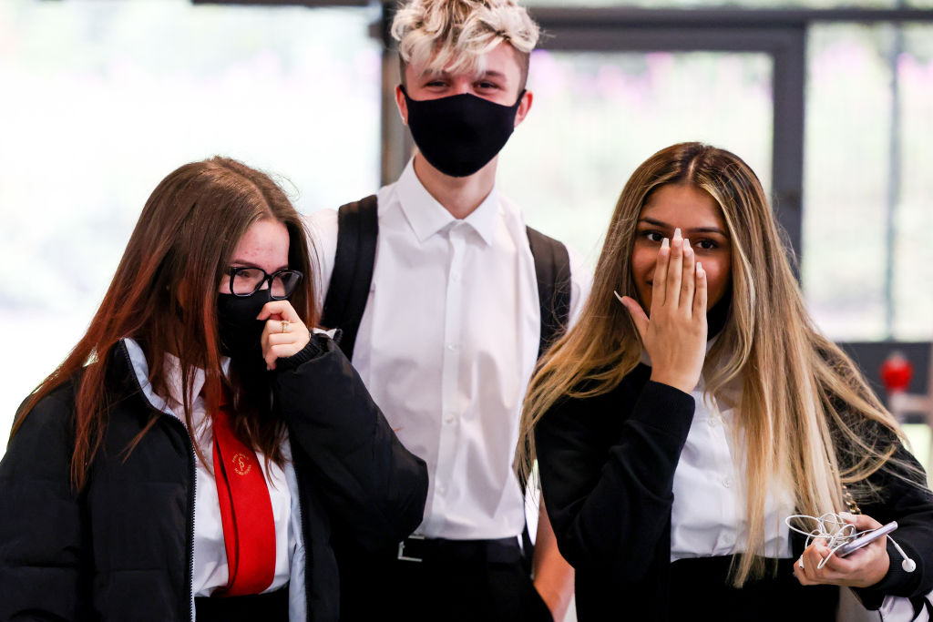 """""""There are some areas of the country where we have had to do local lockdowns and we think it is right in those few areas that in secondaryschools, in communal areas, that youngsters do wear face coverings,"""" said Education Secretary Gavin Williamson. (Photo: Jeff J Mitchell/Getty Images)"""